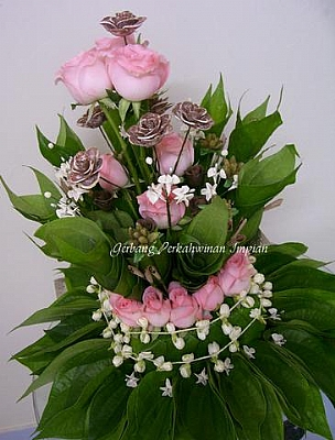 M20091913711_traditional_design_with_roses